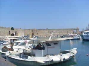 Der Hafen von Rhodos - eine Sehenswürdigkeit