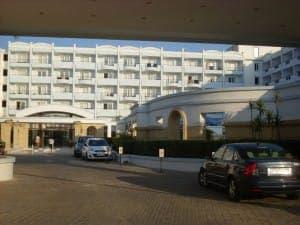 Der Eingangsbereich des Mitsis Grand Hotel