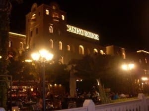 Das Casiono Rhodos bei Nacht