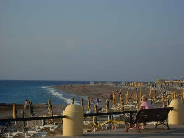 Der Rhodos Stadt Strand im Westen