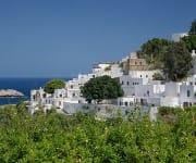 Typische weiße Häuser in Lindos auf Rhodos